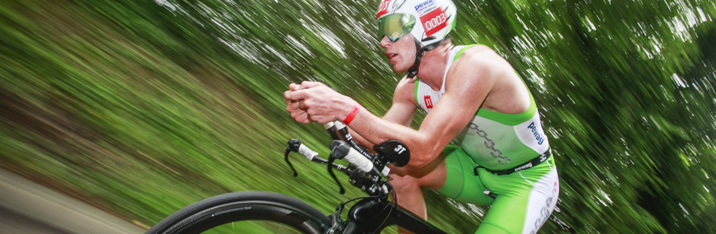 Take part in the main race of the International Triathlon Deauville, June 22, 2019 at 2:00pm. Every year they are more than 1 000 triathletes who position themselves on this event. A legendary event that saw the greatest triathletes compete !